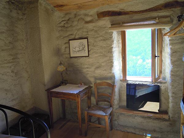https://www.lescitounelles.fr/wp-content/uploads/2017/07/chambre-belle-vue-location-gite-les-citounelles-aude.jpg