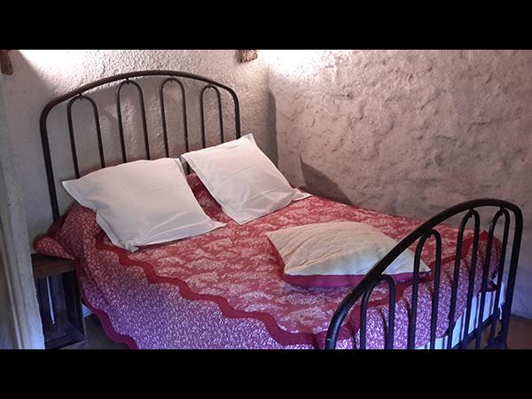 https://www.lescitounelles.fr/wp-content/uploads/2017/07/chambre-confortable-location-gite-les-citounelles-aude.jpg