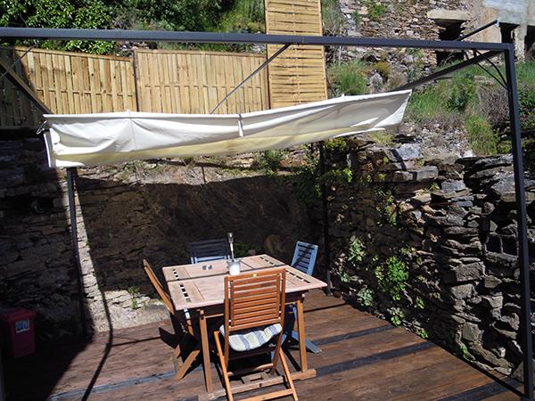 https://www.lescitounelles.fr/wp-content/uploads/2017/07/terrasse-exposee-location-gite-les-citounelles-aude.jpg